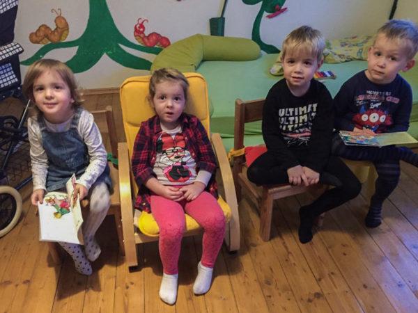 Kinder lesen mit Tagesmutter Mamacita in Keltern